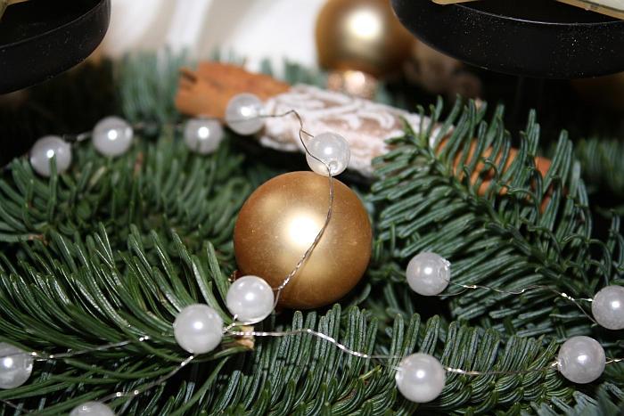 christbaumkugel-und-perlendraht
