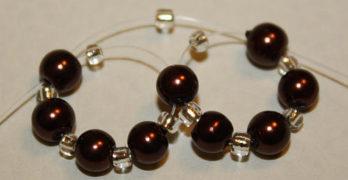 Perlenkugel fädeln – Anleitung