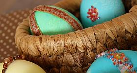 Funkel-Ostereier: Ostereier dekorieren