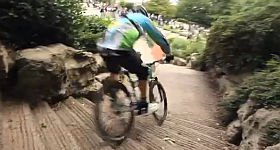 Downtown Montmartre – Downhill-Video