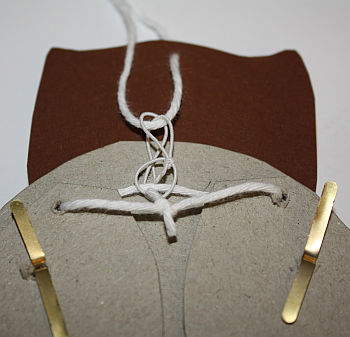 hampelmann-eule-basteln-zusammenfuegen2