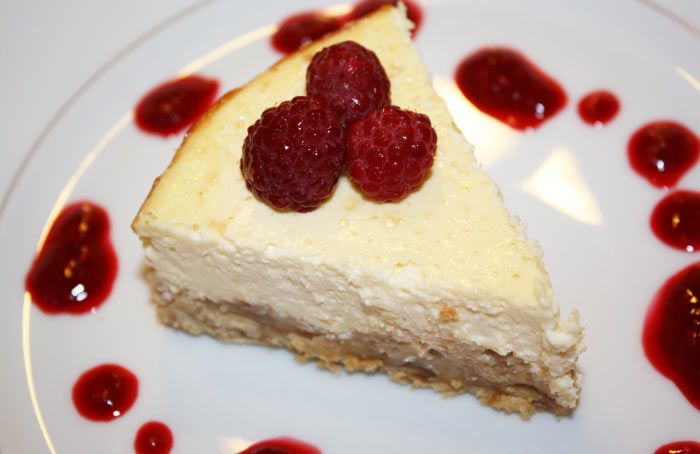 cheesecake-mit-himbeeren
