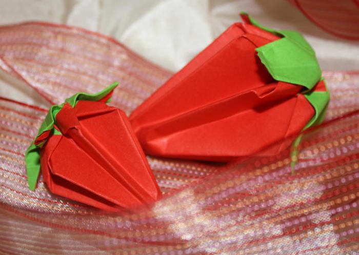 origami-erdbeere-falten-anleitung