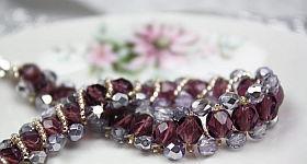 Do it yourself – schöne Armbänder aus Perlen und Wolle