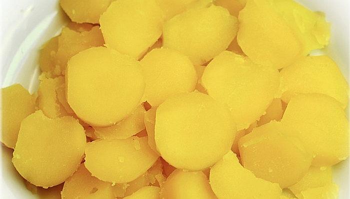 wie-kocht-man-festkochende-kartoffeln