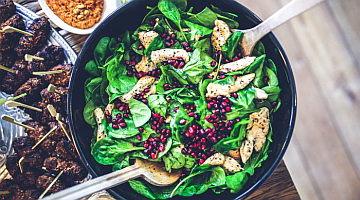 wie-kocht-man-frischen-spinat